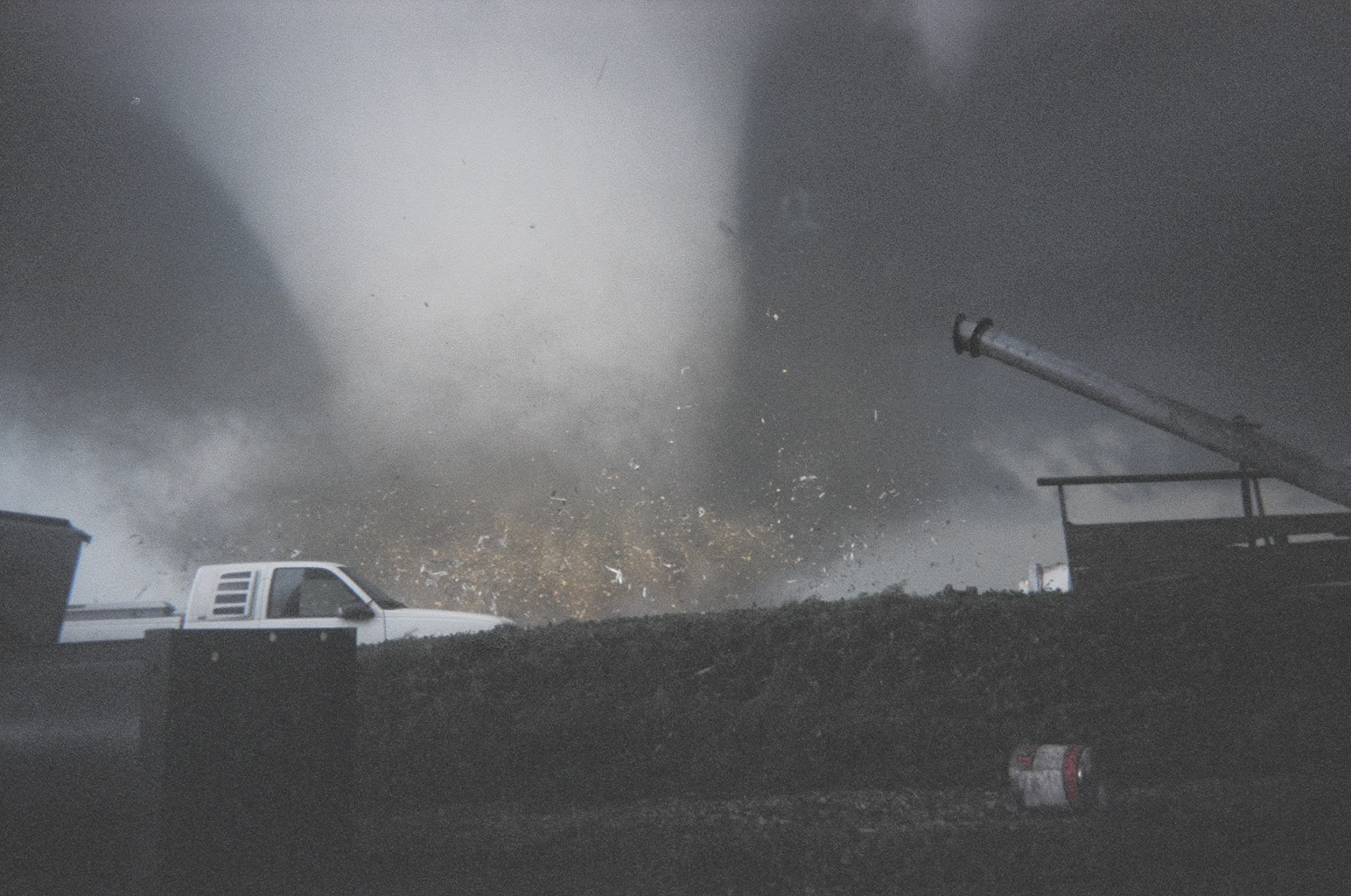 F4 tornado just hitting Parsons- July 13, 2004